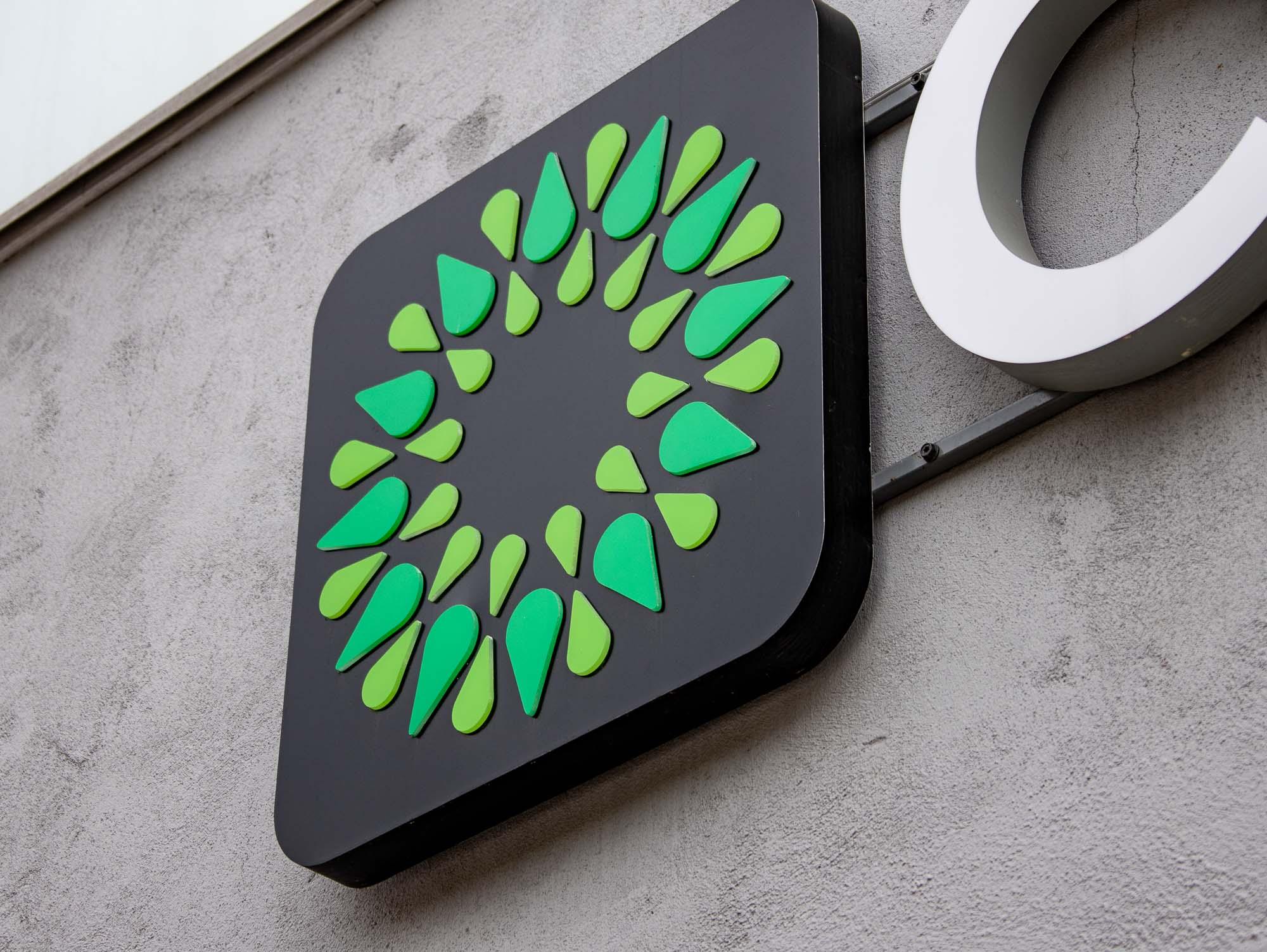 Логотип и фирменный стиль для супермаркета Солос